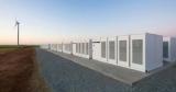 Найбільша в світі літій-іонна батарея Tesla підключена до енергомережі Австралії