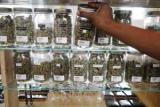 Китайців віднадили від вживання марихуани в Канаді