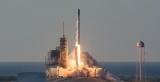Слідом за Crew Dragon Маск відправив у космос ще одну ракету: історичні кадри пуску