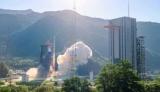 Китай запустил очередную партию спутников